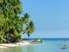 Si de algo puede presumir Malasia es de sus encantadoras islas, tan salvajes como las de Tailandia, pero apenas rendidas al turismo.