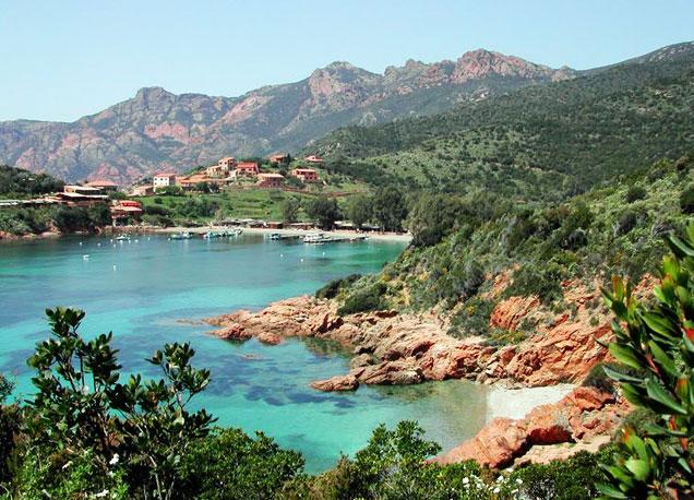 La presencia del mar Mediterr�neo impregna casi todos los rincones de la isla francesa de C�rcega.