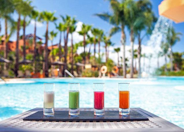 Los 'spacktails' del hotel Barcel� Sancti Petri mezclan el concepto de spa con c�cteles saludables.