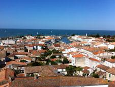 El puerto de la capital, Saint-Martin-de-R�, es el epicentro de la vida en la isla.